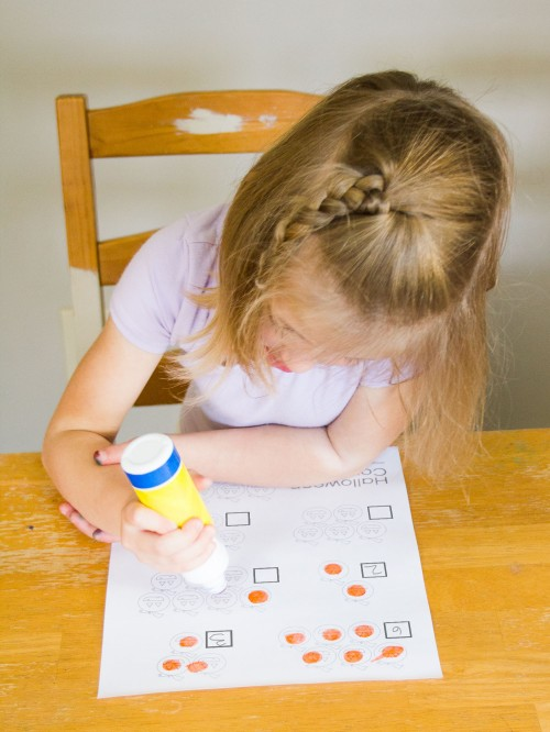 Halloween Counting Do-a-dot Marker Activity