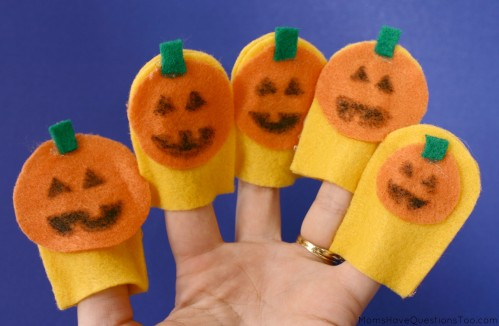 Make Halloween finger puppets with this free printable template! Use for storytelling to develop creativity.