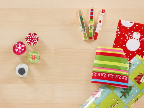 7 Ways to Use Wrapping Paper Scraps -- Moms Have Questions Too