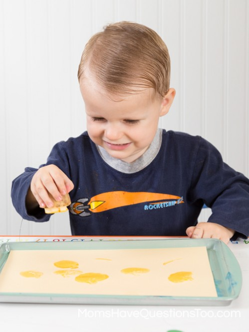 Potato Stamping - Moms Have Questions Too