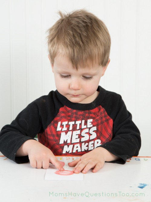 Use sandpaper letters to help with letter formation - Moms Have Questions Too