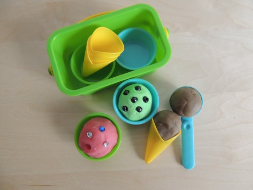 Have fun with playdough by making